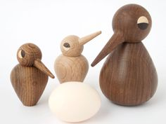 One of the most successful Danish wooden products from the 1950s. Today, the entire expressive Bird family has been re-introduced. They are all handmade by a small wood turner in Denmark who only uses high quality smoked and natural oak wood. By tilting their heads in virtually any direction, the Birdss can express every frame of mind - happy, sad, curious, alert, etc. The bodies can be turned upside down making it either a male or female.