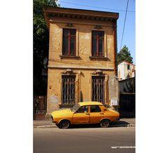 Daciile se repară cu ciorapii nevestei | VICE Romania, Grande, Horror, Car, Automobile, Autos, Cars