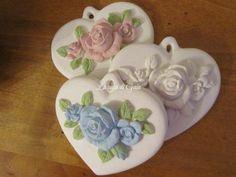 Cuori in gesso profumato con rose di ♥ La casa di Gaia ♥ su DaWanda.com