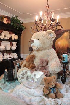 Adorable centerpiece for a teddy bear party! #teddybear #party