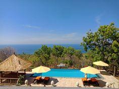 Privatvilla Samari Hill Villas mit Blick auf die Nordküste Bali's Villas, Bali, Outdoor Decor, Home Decor, Homemade Home Decor, Villa, Interior Design, Home Interior Design, Decoration Home