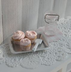 Miniture Doll House Cupcakes <3