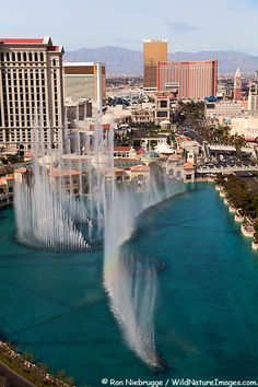 Aerial view of dancing waters show in front of the Bellagio Hotel and Casino, Las Vegas, Nevada