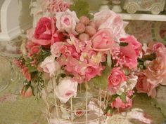 Roses and Berrys Bird Cage Bird Cage, Floral Arrangements, Decoupage, Floral Wreath, Shabby Chic, Wreaths, Roses, Pink, Vignettes