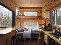 "A small spaces Penner by Cabinscape - Tiny Living Parents, Kids And Time Alone ""What are some of the Tyni House, Tiny House Cabin, Tiny House Living, Tiny House Design, Tiny House On Wheels, Small Cabin Designs, Cabin Loft, House Floor, Small Cabin Interiors"