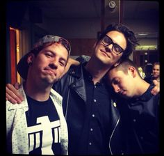 Twenty One Pilots and Dallon Weekes (p!atd)