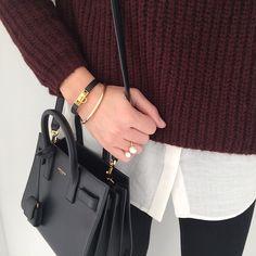 """Burgundy #outfit #todayimwearing #details • pull #zara • chemise #maje • bracelet #rivale #hermes • bague #joliedemoiselle @joliedemoiselle_shop • sac…"""