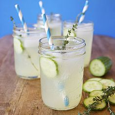 Thyme Lemonade - a refreshing warm weather beverage that oozes herbally goodness. #foodgawker