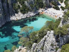 La vertigineuse calanque d'en Vau à Cassis - Les 20 plus belles plages de France - reportage photos - Voyages Orange