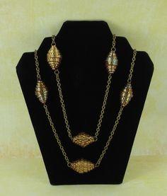 premo! Faux Paper Triangle Beads