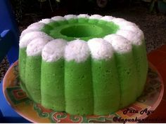 Welcome to My Paradise : Kue Tradisional Indonesian Desserts, Asian Desserts, Asian Recipes, Indonesian Food, Steamed Cake, Test Kitchen, Cookie Recipes, Watermelon, Coconut