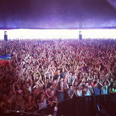An amazing crowd for Bonobo and his band at festival in Belgium.