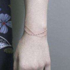 brazalete tatuaje de puntos
