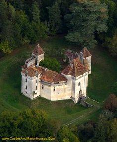 Château de Caussade, 24 Trélissac, Dordogne, Périgord, France - www.castlesandmanorhouses.com