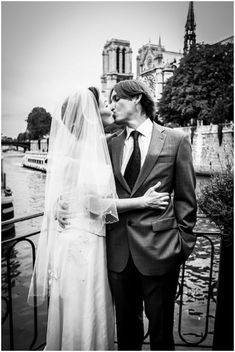 Wedding on River Bank of Notre Dame Cathedral in Paris via www.frenchweddingstyle.com #paris #wedding