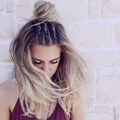 Braids and Half-up Bun, this hair style is amazing~