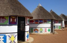 N'debele painted homes, Shoshungave, Pretoria South Africa Places Ive Been, Places To Go, Port Elizabeth, Table Mountain, Kruger National Park, Pretoria, Global Design, African Animals, Africa Travel