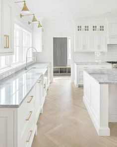 26 Wonderful White Kitchen Design Ideas And Decor. If you are looking for White Kitchen Design Ideas And Decor, You come to the right place. Here are the White Kitchen Design Ideas And Decor. Farmhouse Kitchen Cabinets, Modern Farmhouse Kitchens, Cool Kitchens, White Kitchens, Kitchen Modern, Kitchen Grey, Kitchen Wood, Kitchen Countertops, Diy Kitchen
