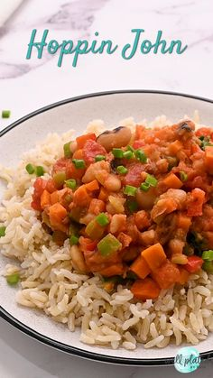 This easy vegetarian Hoppin John is a twist on traditional Southern style recipes. Made with rice, black eyed peas, and greens. #wellplatedrecipes Halloween Dinner, Healthy Sides, Black Eyed Peas, Southern Style, Food Plating, Chana Masala, Food Videos, Side Dishes, Rice