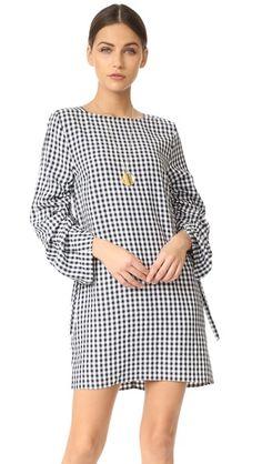 d7e442376 ¡Consigue este tipo de vestido de cuello alto de Tibi ahora! Haz clic para.  Buscar VestidosVestidos De MujerModa ...