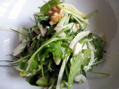Fennel, Arugula and Green Apple Salad by seriouseats. Recipe by Dave Lieberman : Light and refreshing with fennel, crisp apple, peppery arugula, a citrusy dressing and toasted walnuts   Some crumbled ricotta salata cheese, or even feta, would bulk it up and upgrade it to full-meal status.  #Salad #Fennel #Apple