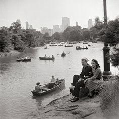 New York. Looking north on Central Park lake on Sunday, year 1942.