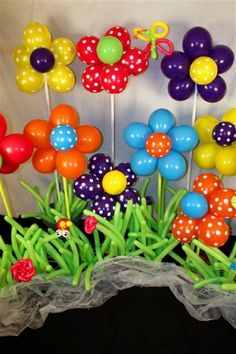 balloon art for gardening party! Ballon Decorations, Party Decoration, Birthday Decorations, Spring Decorations, Flower Decorations, Deco Ballon, Balloon Crafts, Balloon Ideas, Balloon Flowers