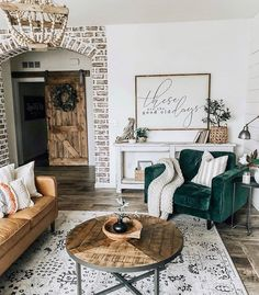 Totalement fan de ce salon et ses différentes décos. 🤎  De belles inspirations à adopter pour chez soi. Vous aimez ? 💬 📸🏡 @houseon77th  #eldotravo #instalike #inspire_me_home_decor