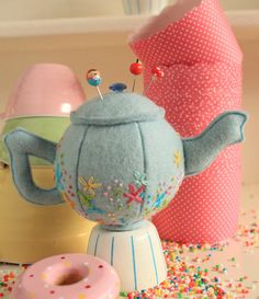 Teeny Teapots Pincushion : teapot pincushion, teapot pattern, pincushion pattern, felt teapot, plush teapot, embroidered teapot, teapot PDF A full sized pattern with instructions to make this adorable Teapot pincushion. A quick project, thats as cute as can be. You can machine or hand sew
