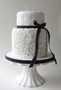Beautiful Cake Pictures: Beautiful White Ruffles and Dots Cake Picture - Cakes With Ruffles, Wedding Cakes, White Cakes - Black White Cakes, Black And White Wedding Cake, White Wedding Cakes, Beautiful Wedding Cakes, Gorgeous Cakes, Pretty Cakes, Amazing Cakes, Naked Wedding Cake, Beautiful Cake Pictures