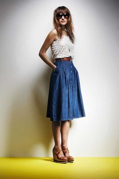 Denim skirt outfits - 6 ways to style a denim skirt Modest Fashion, Fashion Outfits, Fashion Tips, Fashion Women, Style Fashion, Dress Skirt, Midi Skirt, Skirt Belt, Pleated Maxi