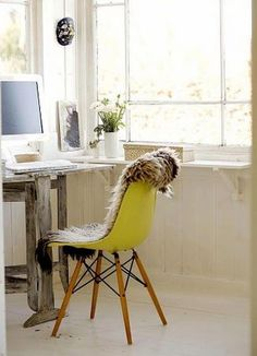 Lovely and fresh style at the home office