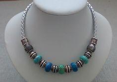 Modell Cadena Kette aus European Beads auf geflochtenem Lederband. Karabinerverschluss. Länge variabel 40 - 44 cm Preis 7,90 €