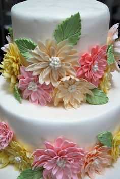 Simple, beautiful, and summery. This cake turned out beautiful thanks to Esther and her Dahlia-making skills! She is the master-flower-maker at Elegant Cheese Cakes! We were all pleased with the outcome of the cake, it truly was perfect for the beautiful summer outdoor wedding.