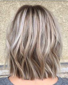 Balejaż blond Ideas for hair color dark ash blonde highlights Hair Lights, Light Hair, Blonde Dye, Blonde Color, Blonde Foils, Blonde Waves, Hair Color Dark, Cool Hair Color, Grey Hair Blending