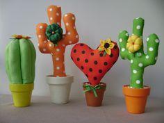 Felt Crafts, Diy And Crafts, Crafts For Kids, Arts And Crafts, Felt Flowers, Fabric Flowers, Paper Flowers, Cactus Fabric, Cactus Craft