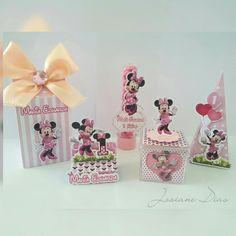 Personalizados Minnie Rosa!!! . . #personalizadosminnie #personalizadosminnierosa #festaminnie #festamenina Minnie, Alice, Cake, Desserts, Instagram, Food, 1 Year, Pie Cake, Meal