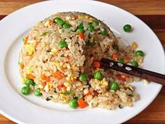 Serious Eats This recipe produces fried rice with individual grains and is lightly seasoned to allow the flavor of the rice to dominate. Stir Fry Recipes, Rice Recipes, Asian Recipes, Vegetarian Recipes, Cooking Recipes, Healthy Recipes, Protein Recipes, Lunch Recipes, Crockpot Recipes