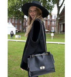 Le sac à main vintage, look de la Fashion Week printemps été 2014 de Londres - Cosmopolitan.fr