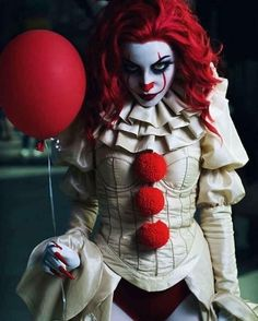 Cosplay Galleries Featuring & By Halloween Costume Teenage Girl, Pennywise Halloween Costume, Clown Costume Women, Halloween Cosplay, Halloween Outfits, Costumes For Women, Female Pennywise Costume, Halloween 2020, Scary Clown Costume