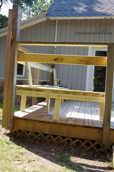 Outdoor bench for our deck: DIY wood working project tutorial! Woodworking Bench For Sale, Woodworking For Mere Mortals, Easy Woodworking Ideas, Woodworking Workbench, Popular Woodworking, Wood Projects For Beginners, Easy Wood Projects, Outdoor Stools, Bench Plans