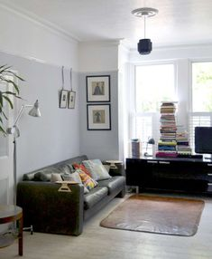 Josh & Rae's Well Curated Home House Tour dado rail Dado Rail Living Room, New Living Room, Home And Living, Living Room Decor, Dado Rail Bedroom, Picture Rail Bedroom, Room Color Schemes, Room Colors, Paint Schemes