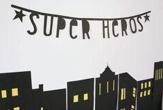 Une «Super Héros Party» pour ses 4 ans Super Heroine, Employee Recognition, Batman Party, Deco, Superhero, Alice, Board, Children, Decor