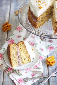 Honeycomb Cake with Blackberry Filling & Mascarpone Frosting