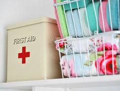 First Aid tin | Flickr - Photo Sharing!