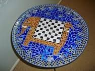 Afbeeldingsresultaat voor mosaic chess board table