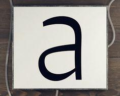 Signo http://www.fontshop.com/fonts/family/signo/ ist eine dynamische #Sans mit umgedrehten Kontrasten für  #Editorial und #Branding Aufgaben.