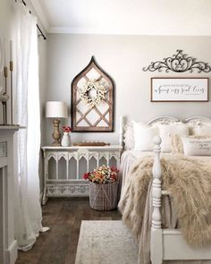 Farmhouse Style Bedrooms, French Country Bedrooms, Farmhouse Master Bedroom, Country Cottage Bedroom, Farmhouse Chic, French Cottage Style, Country Bedding, Glam Bedroom, Bedroom Vintage
