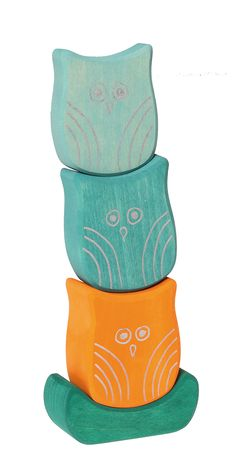 Wobbling Owls, for Stacking and Building. Materials: lime wood, non-toxic water based color stain. Size: Owl H= ca. 11cm.