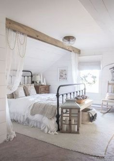 and Cream Christmas Bedroom This cozy master bedroom is beautifully decorated for Christmas with soft neutrals and tons of farmhouse charm.This cozy master bedroom is beautifully decorated for Christmas with soft neutrals and tons of farmhouse charm. Farmhouse Master Bedroom, Master Bedroom Design, Cozy Bedroom, Dream Bedroom, Home Decor Bedroom, Modern Bedroom, Bedroom Furniture, Contemporary Bedroom, Bedroom Designs